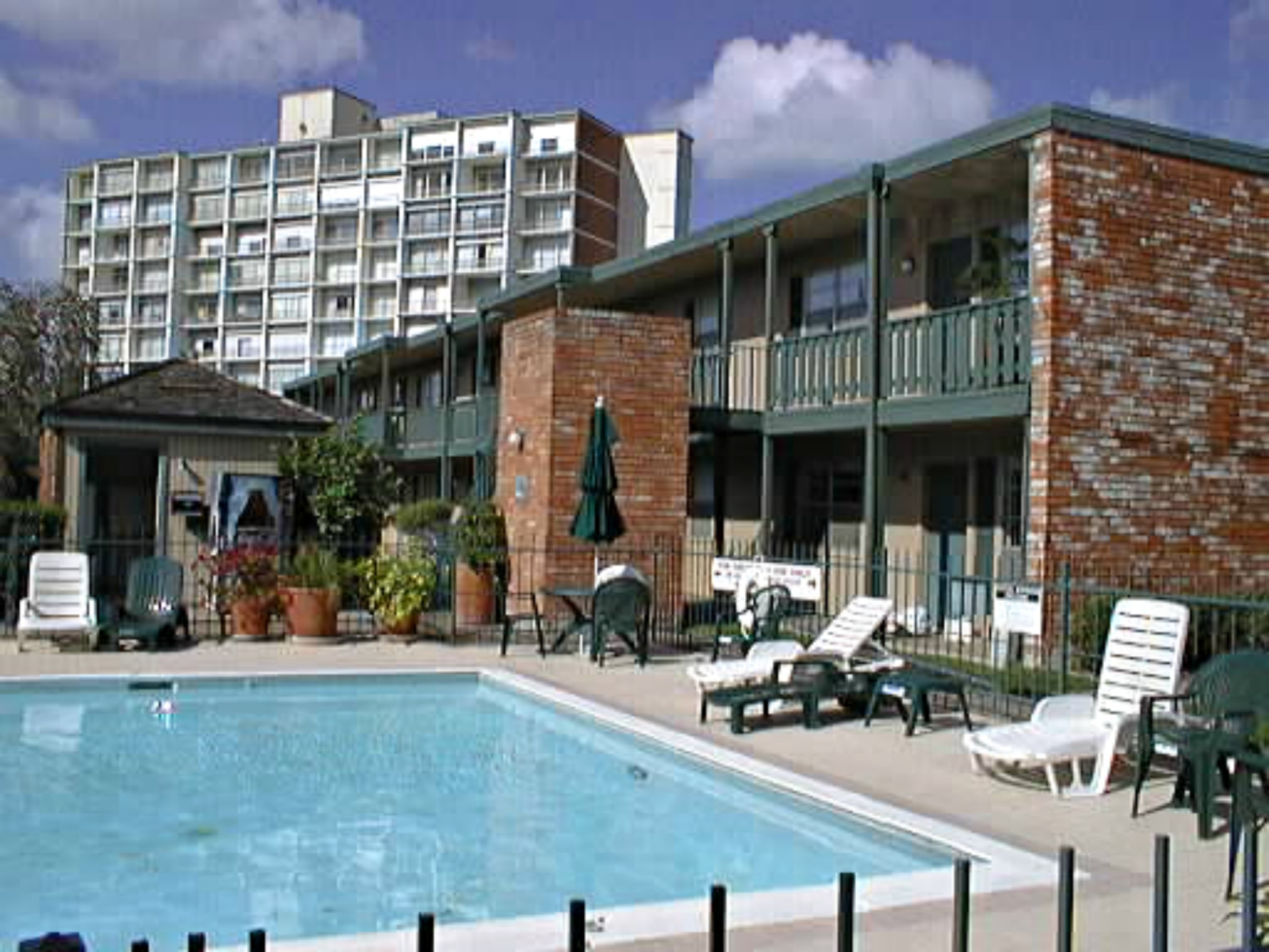Apartment Complexes Sold And Leased